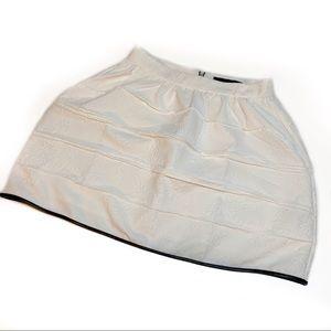 NWOT English Rose White Textured Black Edged Skirt
